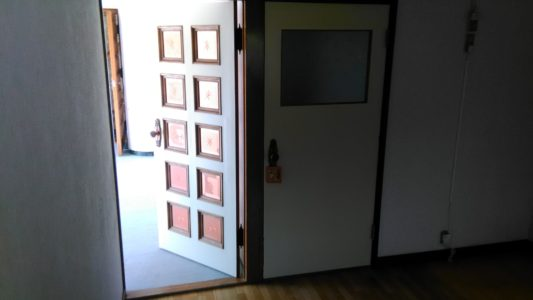 doors-min